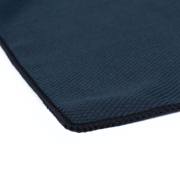 16x16-Black-Diamond-Window-Towel-Corner